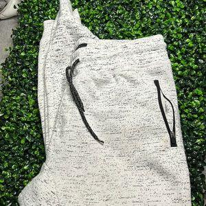 3/$20 Brooklyn Cloth The Jogger pants Large